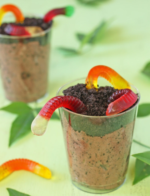 Dirt Pudding Cups With Gummy Worms Recipe