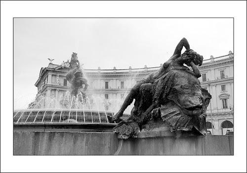 fontein in rome by hans van egdom