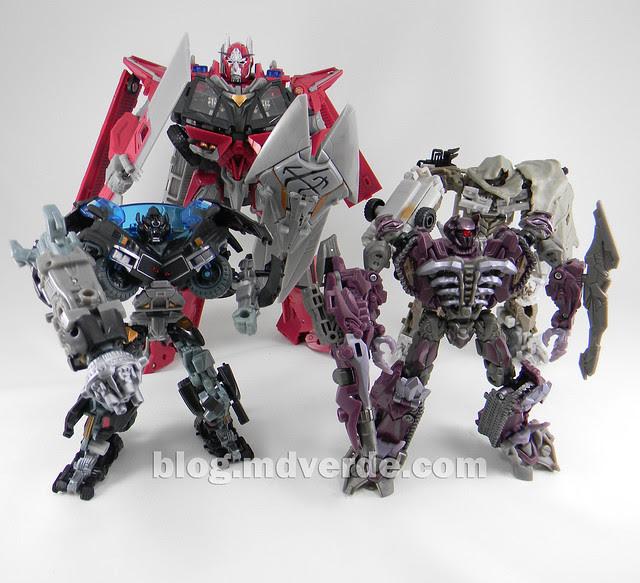 Transformers Ironhide DotM Voyager - modo robot vs Sentinel Prime vs Megatron vs Shockwave