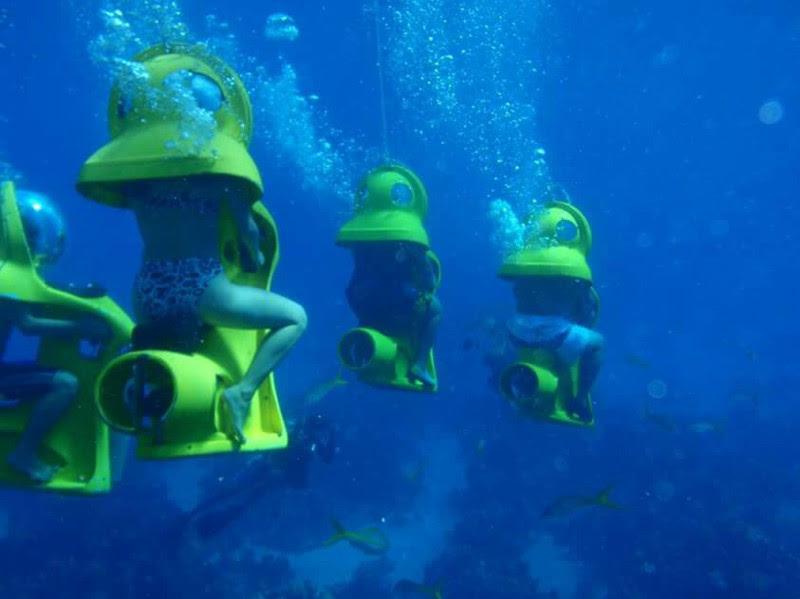 12. Underwater walk in mini-submarines in the Bahamas.  unusual, amazing photos,