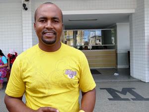 """""""A preocupação é igual a alegria"""", diz pai de quadrigêmeos nascidos no Recife (Foto: Katherine Coutinho / G1)"""