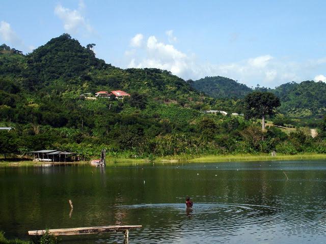 """Résultat de recherche d'images pour """"Lac Bosumtwi"""""""