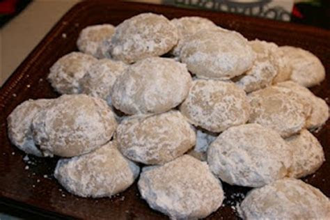 The BEST Mexican Wedding Cookies! And SO Easy! Happy Cinco