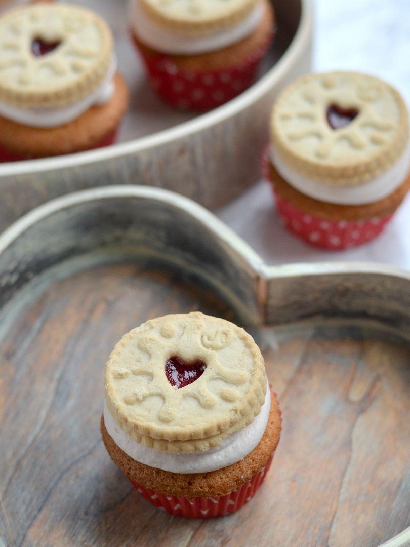 Raspberry Jammie Dodger Cupcakes
