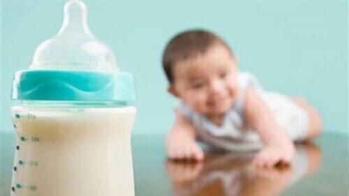 وزارة الصحة تكشف حقيقة انتهاء صلاحية 5 ملايين عبوة لبن أطفال