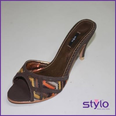 Ladies-Women-Girls-Wear-Beautiful-Eid-Footwear-Collection-2013-By-Stylo-Shoes-16
