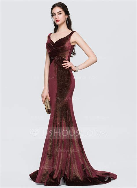 Trumpet/Mermaid V neck Sweep Train Velvet Prom Dresses