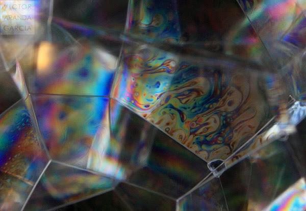 Geometría y Color en Pompas de Jabón (detalle)