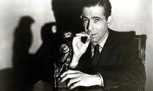 Fotograma de la película protagonizada en el año 1941 por Humphrey Bogart