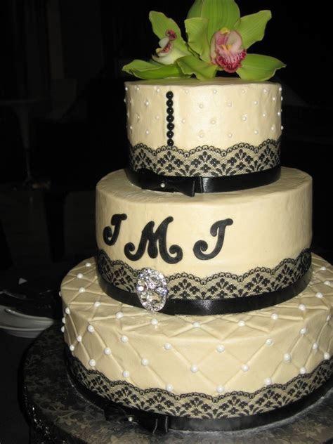 Lace and Pearls Wedding Cake   Shimmy Shimmy Cake!