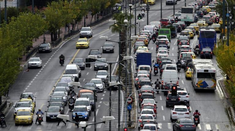 Τέλη κυκλοφορίας: «Μετρά» αντίστροφα ο χρόνος για την πληρωμή τους – Τι πρέπει να γνωρίζετε   Newsit.gr