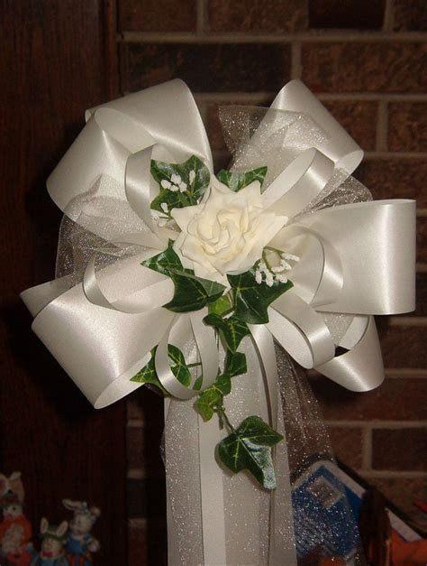 1000  ideas about Pew Bows on Pinterest   Wedding Pew Bows