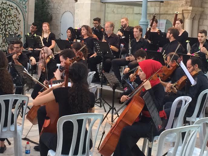L'Orchestra al Kamandjati (foto Michele Giorgio)