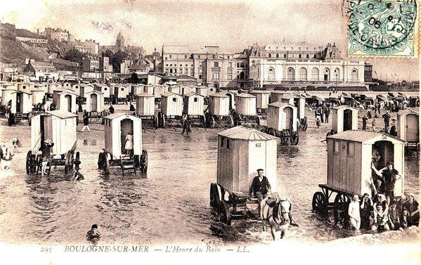 Les cabines de bains de Boulogne tractées par des chevaux