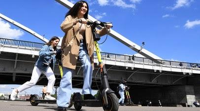 «Для совместного использования с пешеходами»: Минтранс предложил запретить тяжёлым электросамокатам выезжать на тротуар