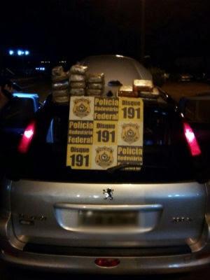 Apreensão ocorreu após perseguição policial na BR-277 (Foto: Divulgação/ PRF)