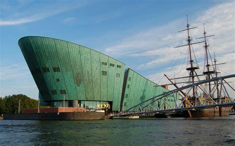 REJS: Photos: Amsterdam, September 2010: NEMO science centre and VOC ship Amsterdam