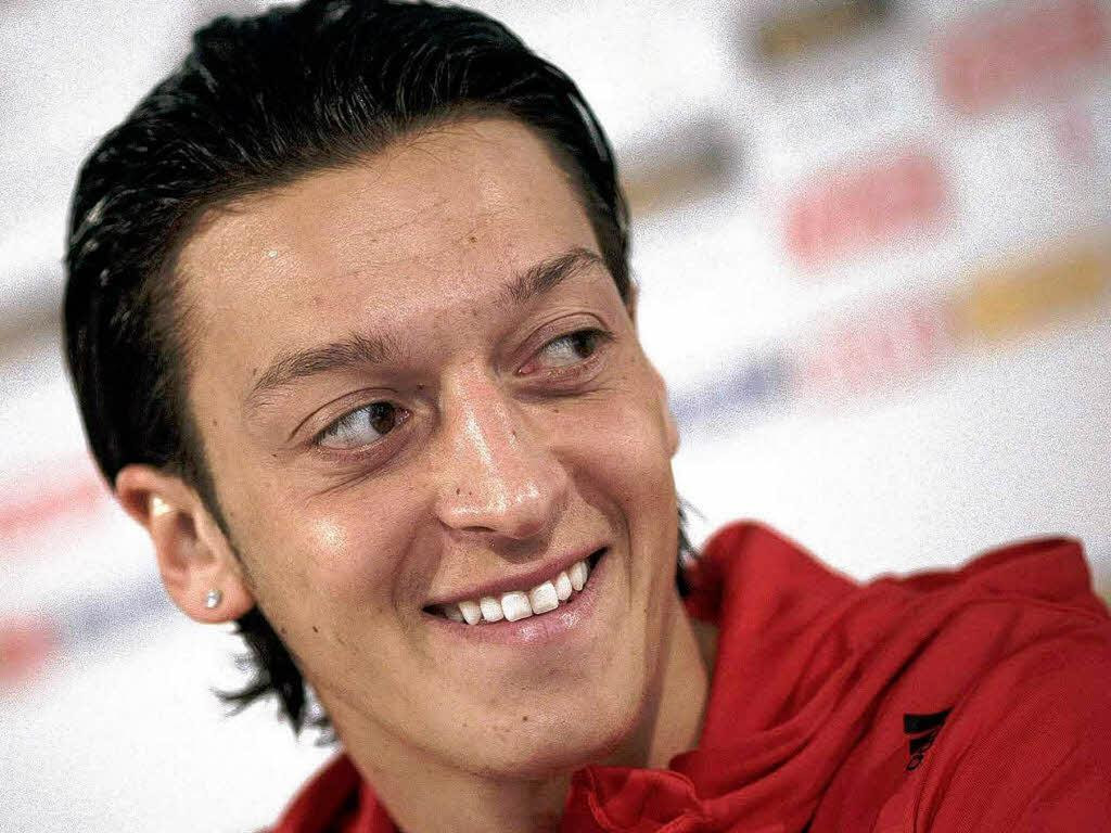 Mesut Ozil Profile, BioData, Updates and Latest Pictures