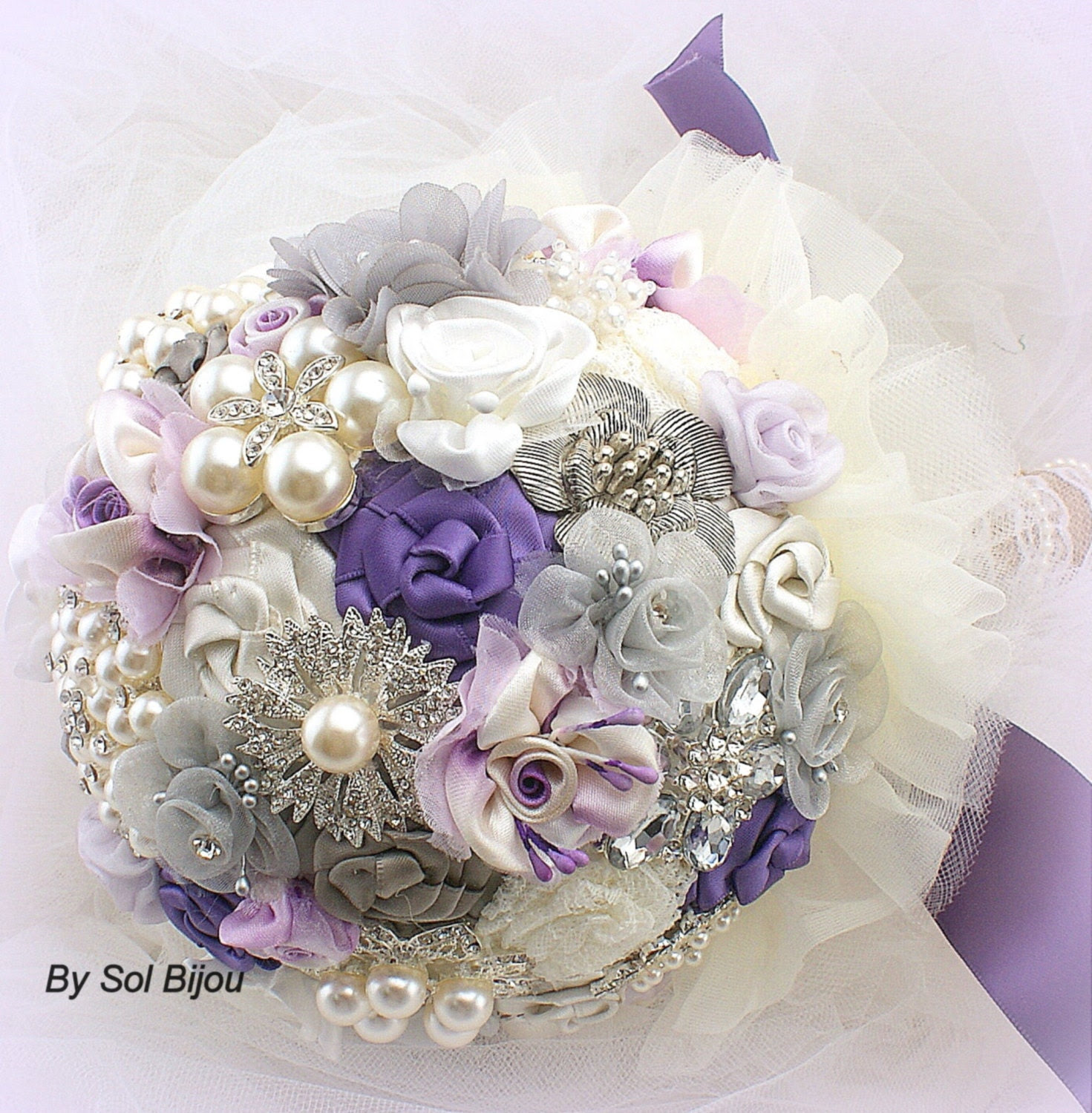 Brooch Bouquet Shabby Chic Pearl Bouquet Bridal Bouquet in Ivory, Lilac and Grey with Pearls Fabric and Brooch Bouquet