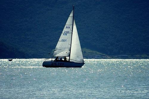 Navegar  é preciso  ...   ;-))