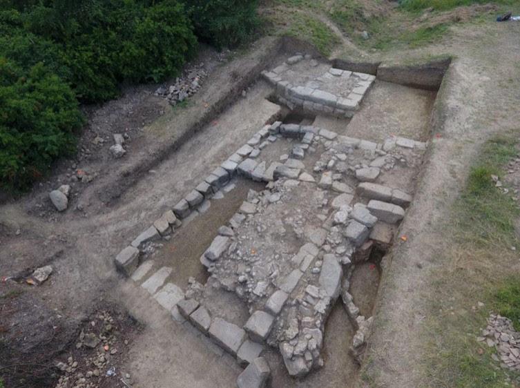 Portada - Ruinas de la antigua ciudad iliria descubierta recientemente en Albania. Fuente: M. Lemke / Science in Poland