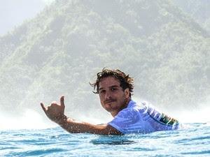Surfista Ricardo dos Santos (Foto: Henrique Pinguim/Divulgação)