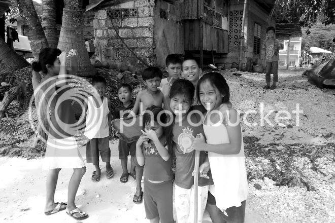 photo filippiinilapset_zps6dda25b3.jpg