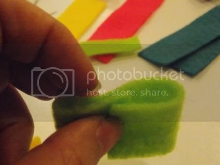 Sandal 03 photo TutorialBabyHairbandampSandal03w.jpg