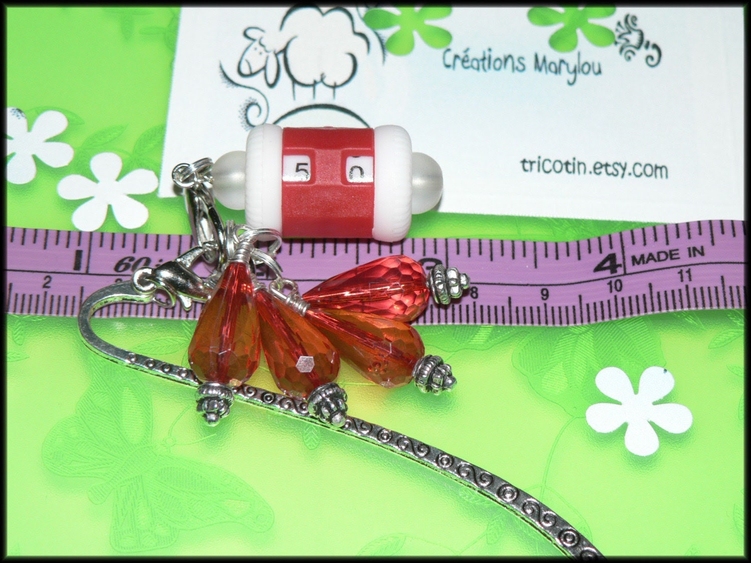 Stitch markers, row counter and bookmark/marqueurs de mailles et signet