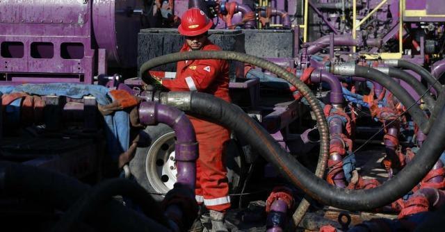 Fracking, Commissione ambiente: 'Da vietare'. Il Ministero: 'Mai autorizzato'
