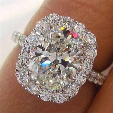 Oval Halo Diamond Ring     New York   Jevel Wedding