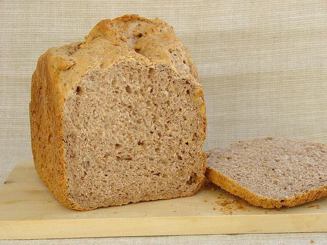 Pan integral con nueces en panificadora
