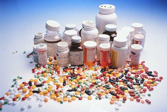 http://kidneyinthenews.files.wordpress.com/2007/10/pills1.jpg