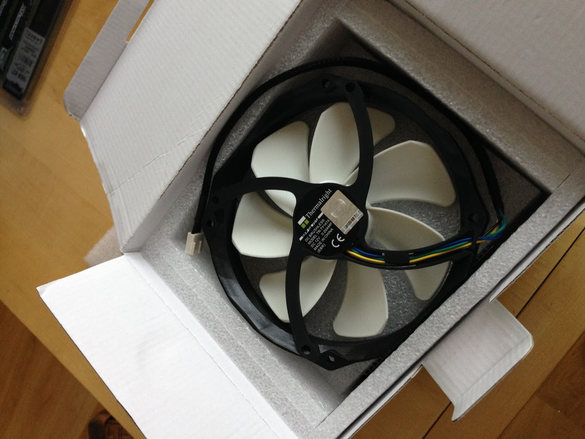 neuer Rechner für die Bildbearbeitung auspacken / new system for image processing unboxing 008