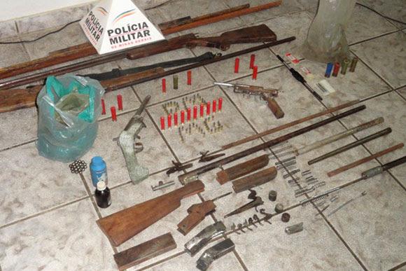 Material foi apreendido e os suspeitos presos / Foto: Divulgação PM
