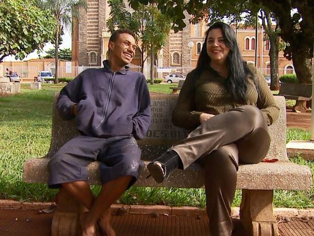 Cantora ajudou morador de rua de Ribeirão Preto a localizar a família no sertão da Paraíba (Foto: Antonio Luiz/EPTV)