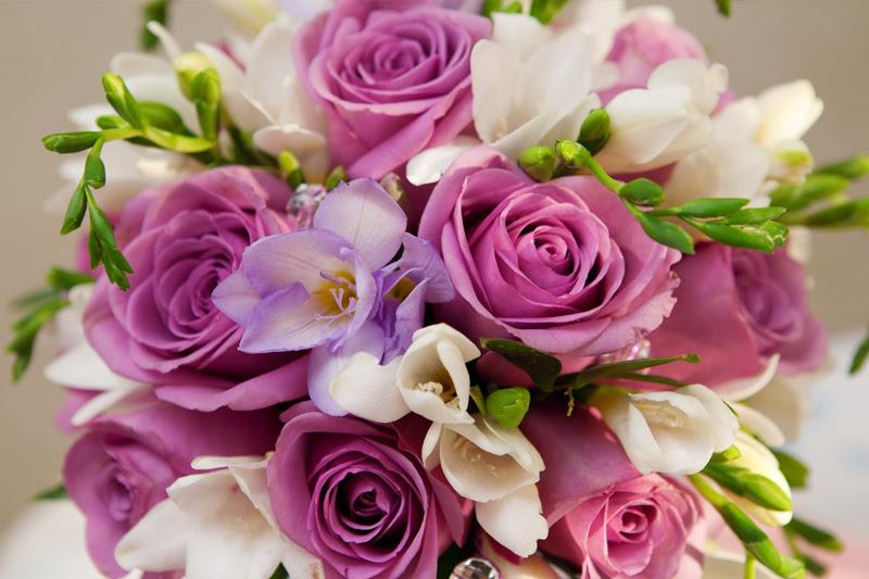 Resultado de imagem para presente dia das mães boquet rosas