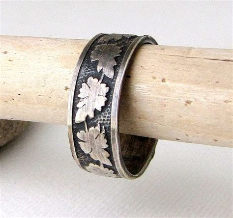 Amazing ring! Mens Wedding Band Oak Leaf Ring Silver