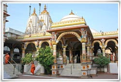 Akshardham Temple in Ahmedabad