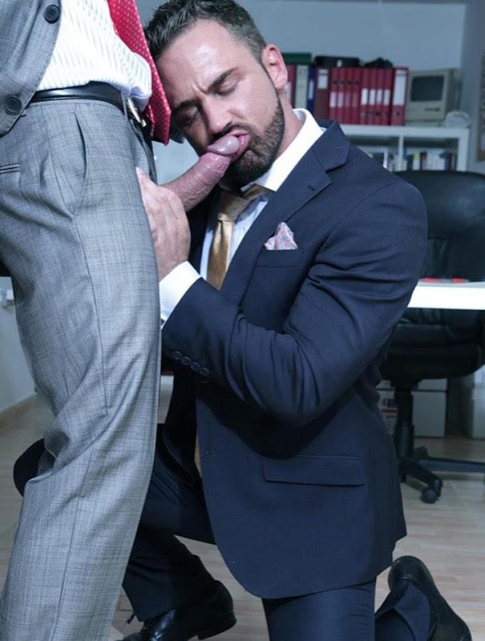 Especiais   Homens de terno e roupa social