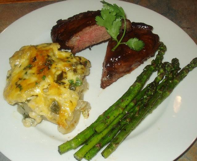 Dry Rubbed Sirloin Steak with Bbq Sauce & Potato-Poblano Gratin