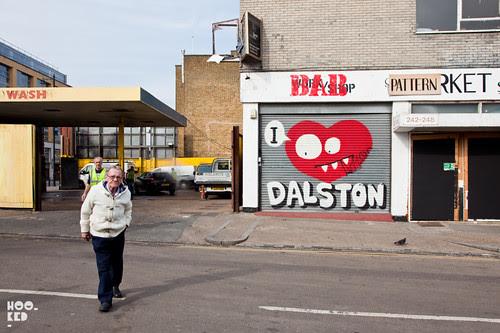 London Street Artist Ronzo street art in Dalston, London