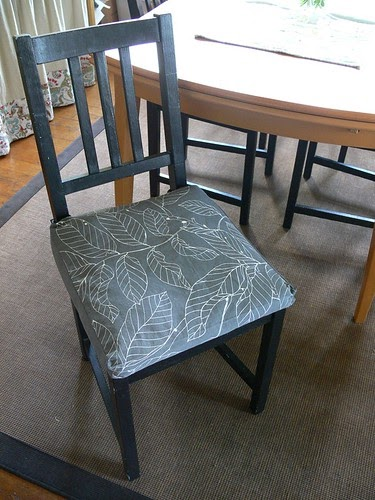 Stumbles & Stitches: Feather Your Nest: Dining Chair Cushions