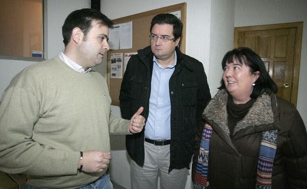 Ana Luisa Durán, a la derecha junto a Tino Rodríguez y Óscar López.