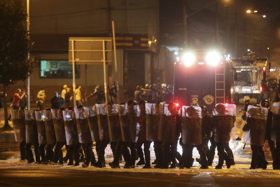 PM atua para dispersar o protesto contra o Governo Temer em São Paulo no dia 4 de setembro de 2016.