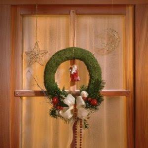 Homemade Christmas Window Decorations | ThriftyFun