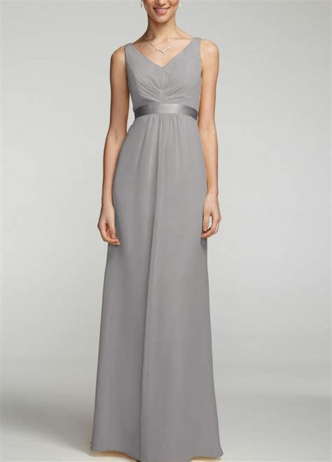 Bridesmaids dresses in this beautiful silver color called