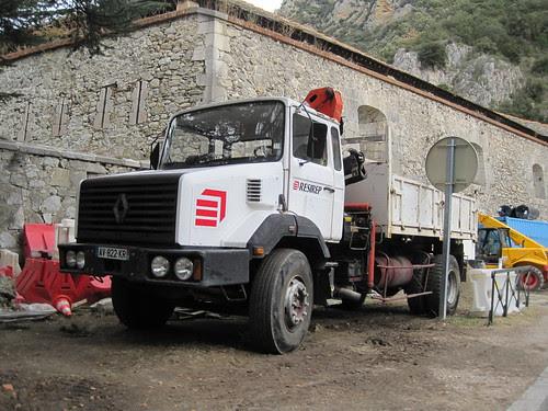 Camió Renault amb bolquet a Vilafranca del Conflent