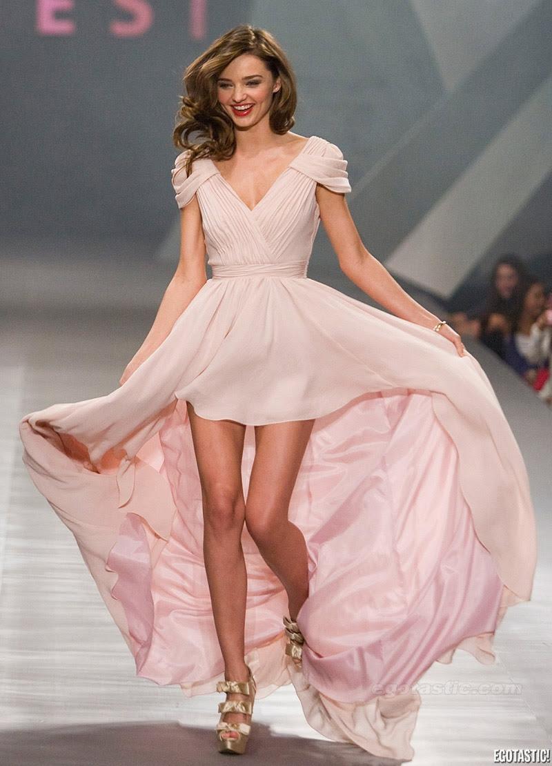 Fashion Model Miranda Kerr, Style inspiration, Fashion photography, Long hair