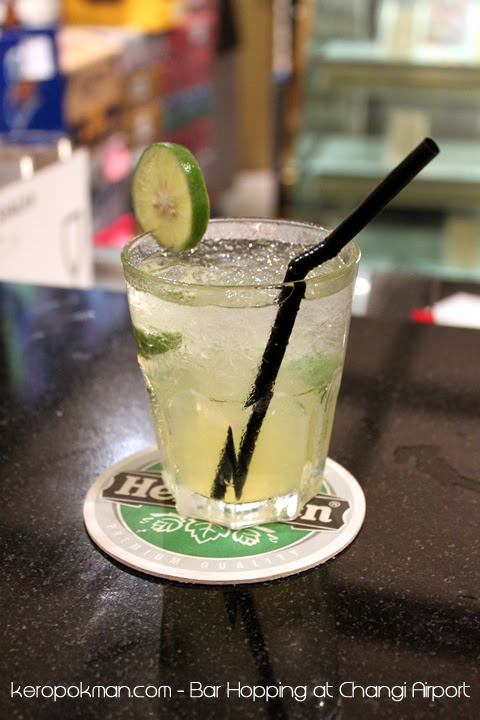Changi Airport - Harry's Bar